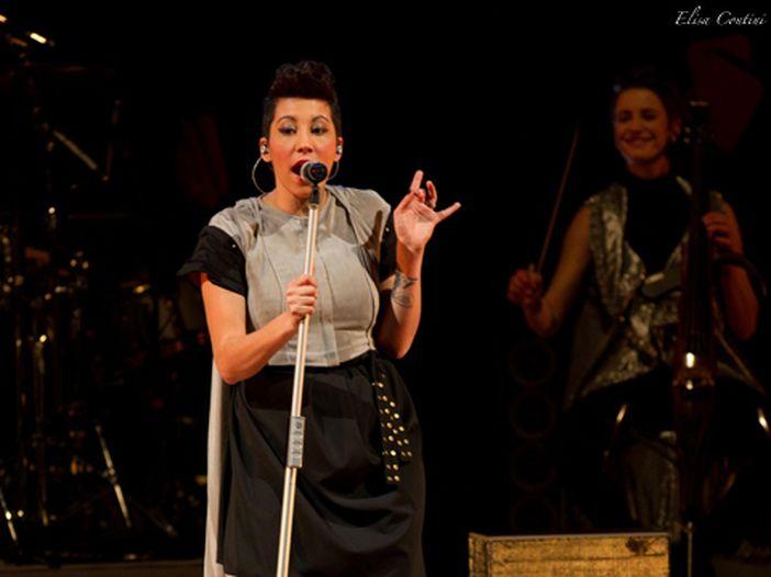 Sanremo 2013, i 'Campioni': la videointervista a Malika Ayane