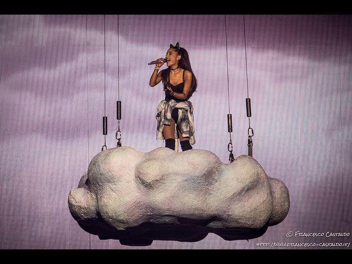 Ariana Grande, voci: il nuovo album è pronto, tra i collaboratori c'è anche Pharrell