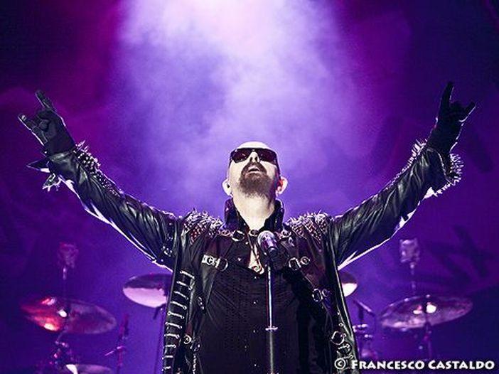 Heavy metal pub - shots: Judas Priest