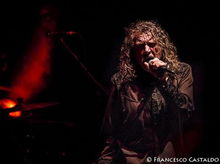 Concerti, Robert Plant: tre date in Italia a luglio a Milano, Napoli e Taormina
