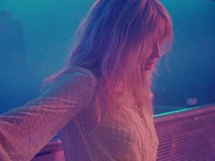 Kylie Minogue crolla? Esaurimento nervoso, però....