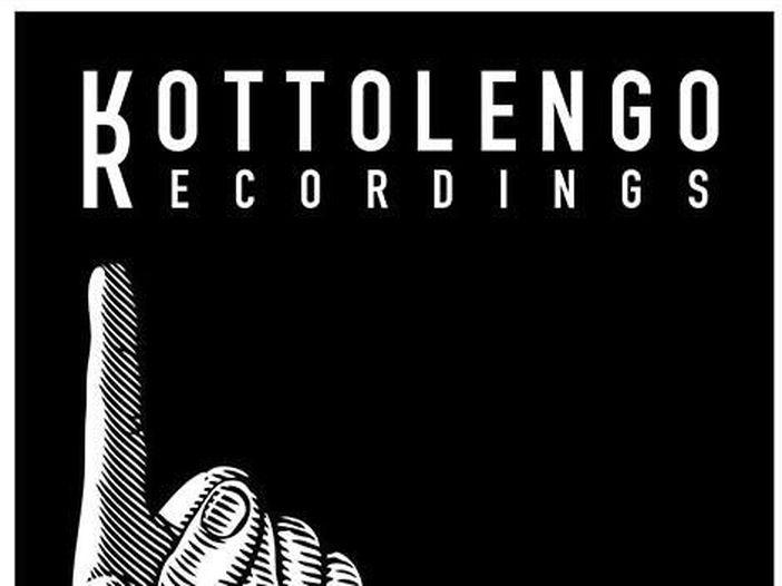 Johnson Righeira fonda un'etichetta discografica