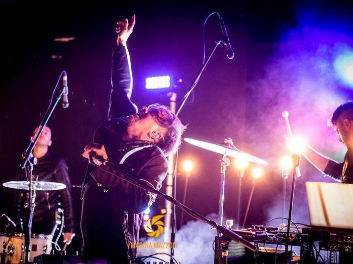 """Dardust si racconta: nuovo album e tre brani per Sanremo: """"La musica è contaminazione"""". Video"""