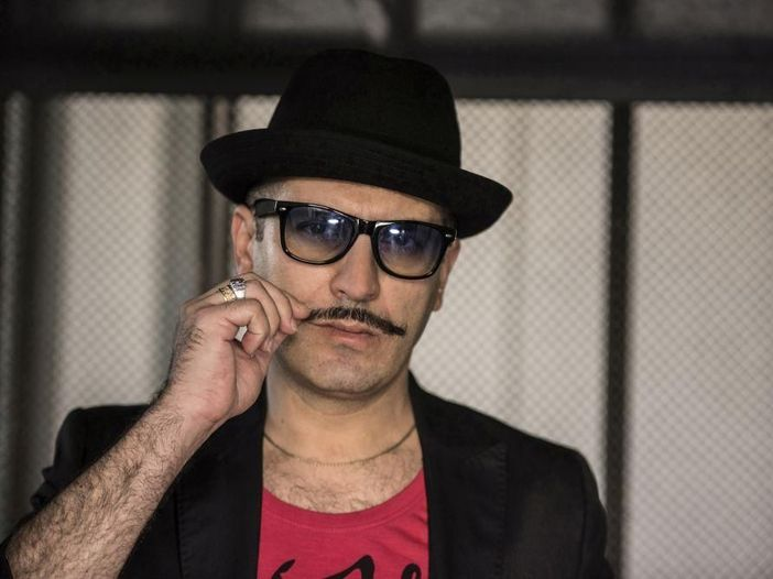 Max Dedo, 'U' piscaturi' in versione #NoFilter - GUARDA