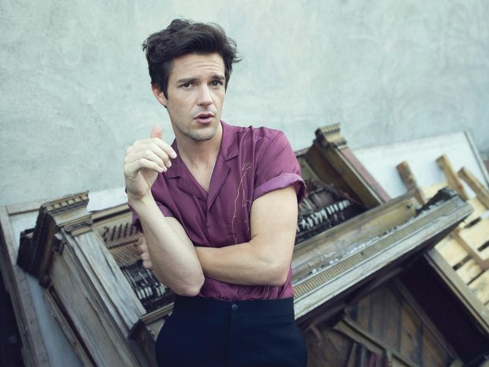 Brandon Flowers, duetto a sorpresa dal vivo insieme a Chrissie Hynde - GUARDA