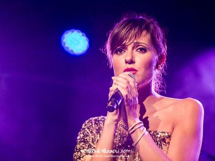 """Simona Molinari, ecco il video della immortale """"Smoke gets in your eyes"""" - GUARDA"""