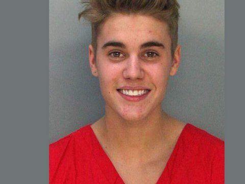 Justin Bieber: arrestato e rilasciato a Toronto per un altro incidente d'auto