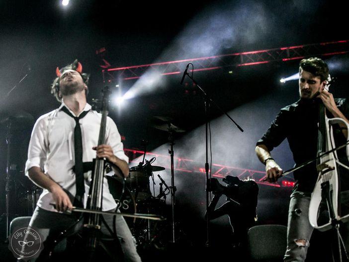 """2Cellos, esce il video di """"The show must go on"""" omaggio a Freddie Mercury - GUARDA"""