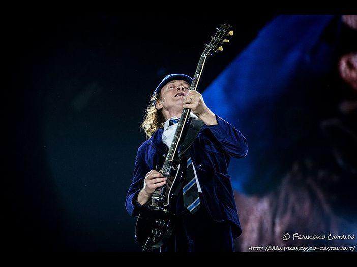 Grandi concerti aspettando che riprendano i concerti: AC/DC live a Monaco, 2001