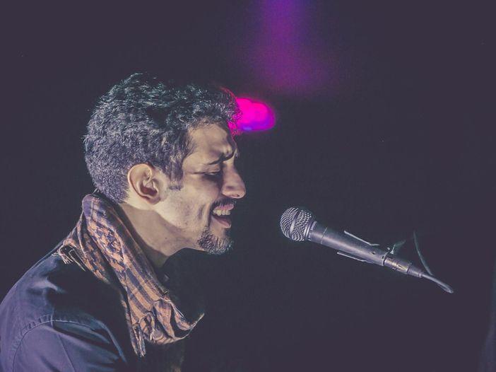 Chi è Aeham Ahmad, il pianista che accompagna Elodie a Sanremo 2020