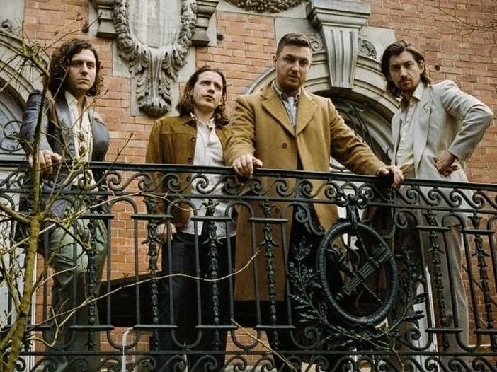 Arctic Monkeys: il nuovo singolo è 'The hellcat spangled shalalala'. Video