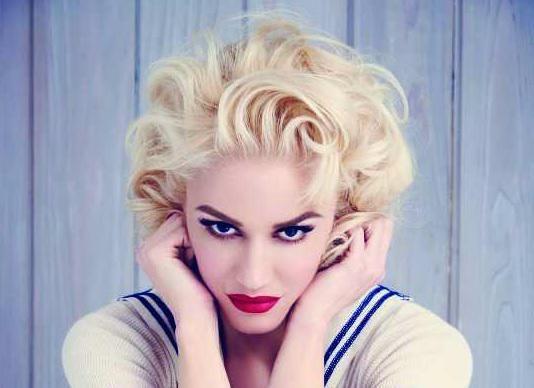 Gwen Stefani pubblica un album natalizio (con inediti): subito il primo singolo - ASCOLTA