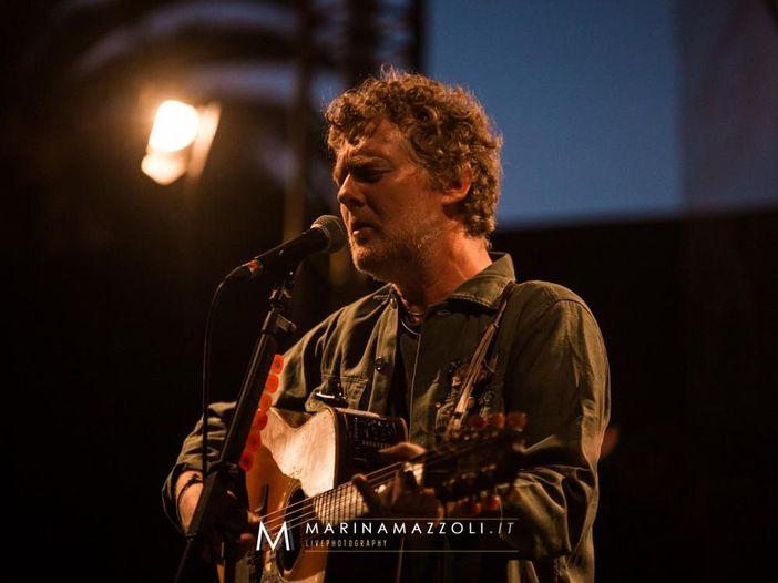 Live@Rockol: Glen Hansard suona i Pearl Jam, il video.