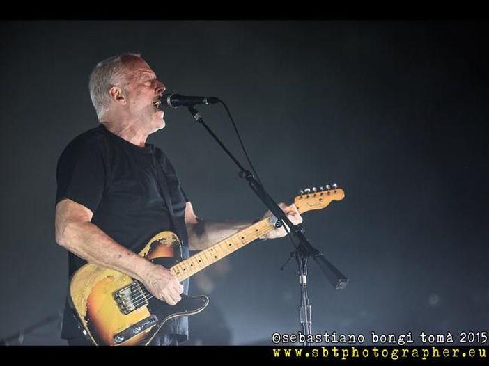 David Gilmour: è online il video di 'Faces of stone' - GUARDA
