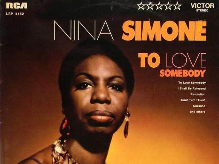 "Nina Simone esegue una stupefacente ""Revolution"" all'Harlem Cultural Festival nel 1969"