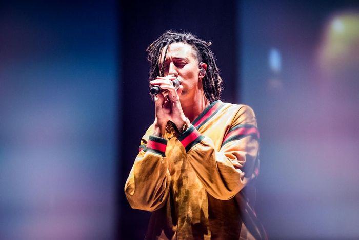 https://a6p8a2b3.stackpathcdn.com/3cdBOxw-kV3w0K5HWetsw_EDGEE=/700x0/smart/rockol-img/img/foto/upload/alessandro-bosio-concerto-live-music-ghali-pala-alpitour-2018-2.jpg