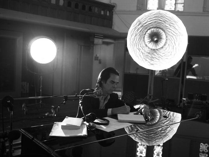 """Nick Cave, la recensione di """"One more time with feeling"""" (nei cinema il 27 e 28 settembre"""
