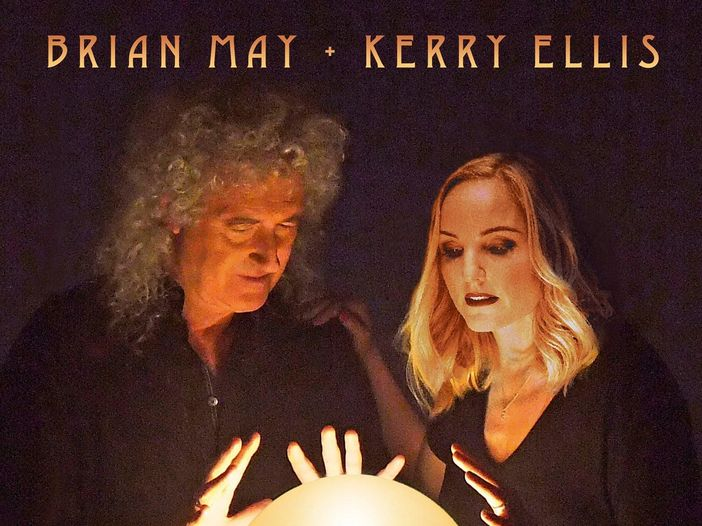 "Brian May (Queen) con Kerry Ellis: ascolta ""Panic attack 2021'"