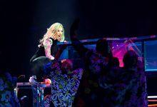 Lady Gaga si propone come mentore di Billie Eilish