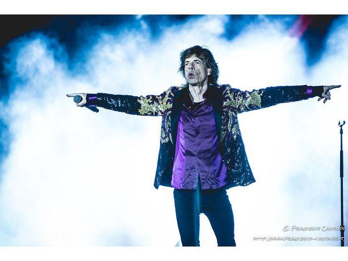 Rolling Stones, Mick Jagger suona l'armonica in un video. E commenta: 'Nuove canzoni'