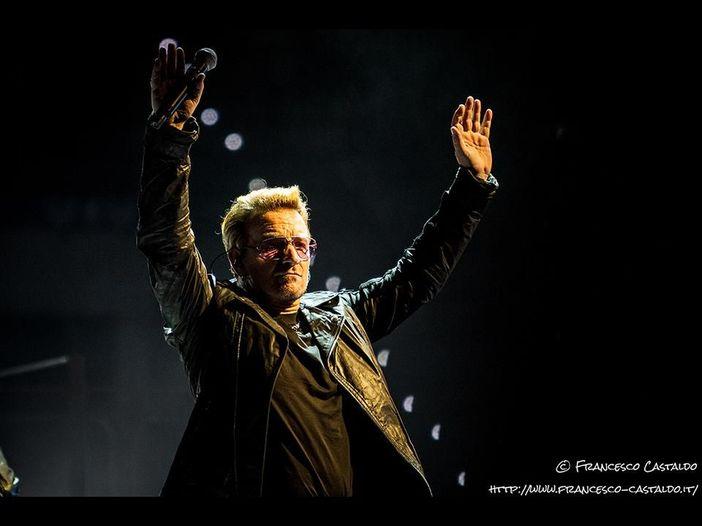 U2, Bono in vacanza: breve sosta in Puglia (sullo yatch di The Edge)