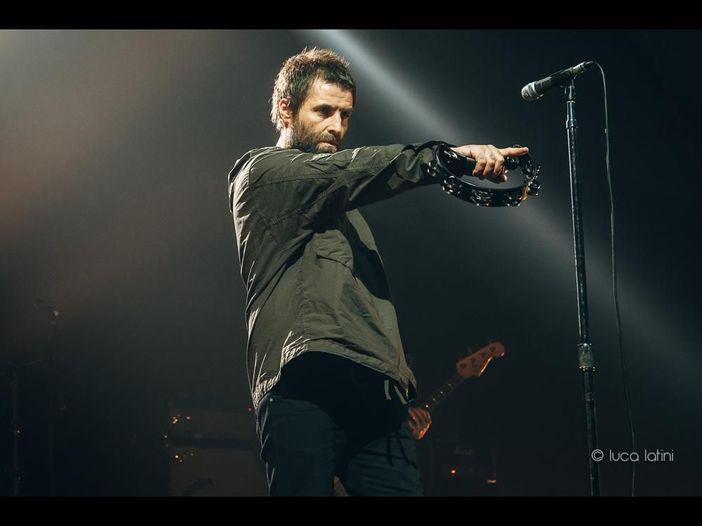 Liam Gallagher, ancora una mano tesa al fratello Noel: 'Riuniamo le nostre famiglie'