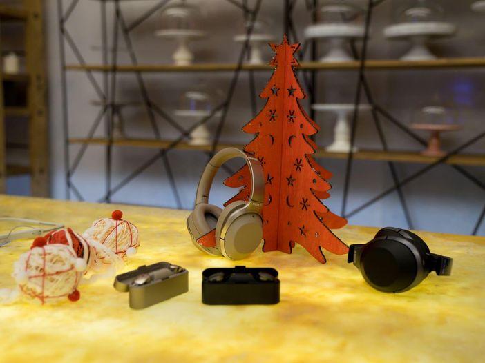 Sala prove: Sony h.ear WH-H900 e WH1000XM2, le migliori cuffie Wireless in circolazione?