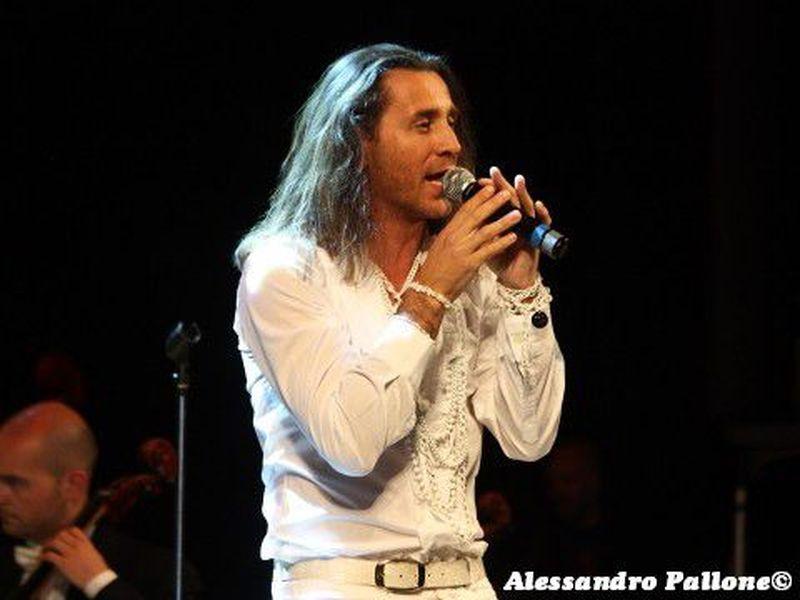 20 aprile 2012 - Teatro Donizetti - Bergamo - Povia in concerto
