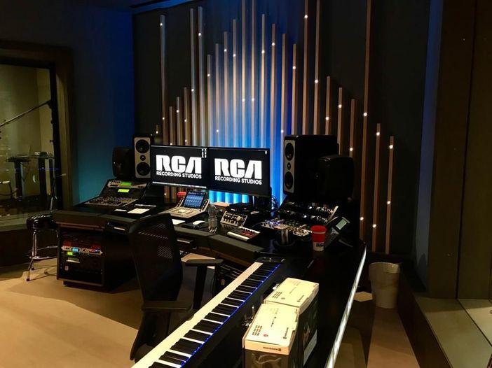 Milano Music Week, giorno 4: l'inaugurazione dei RCA Studios/Sony, il rapporto tra brand e musica, e la New Attitude di Frah Quintale e Dutch Nazari