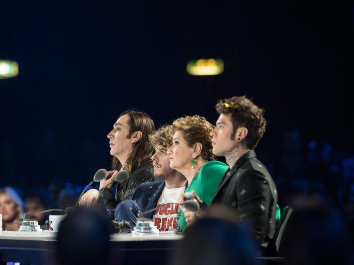 Le scenografie didascaliche di X Factor - eliminati i Seveso Casino Palace