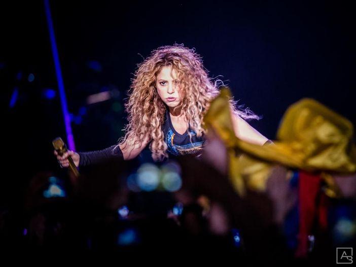 """Shakira: esce il singolo """"Me gusta"""" con Anuel AA - ASCOLTA"""
