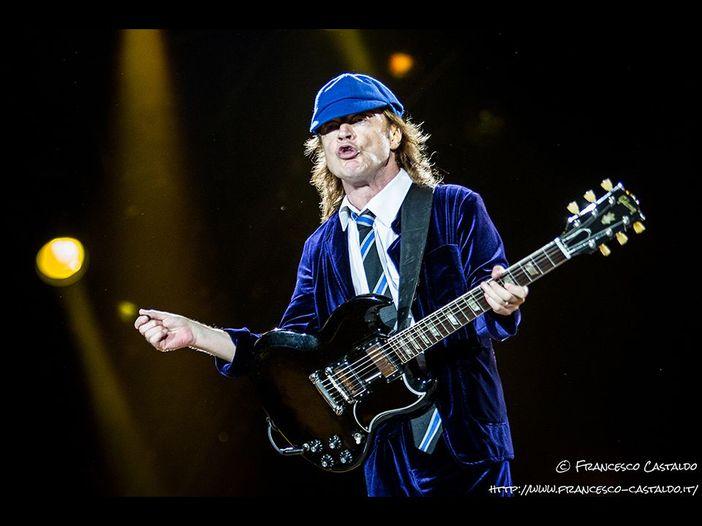 """AC/DC, riparte il 'Rock or bust' tour (con Axl Rose) e fanno """"Live wire"""" che mancava dal vivo da 33 anni - VIDEO"""