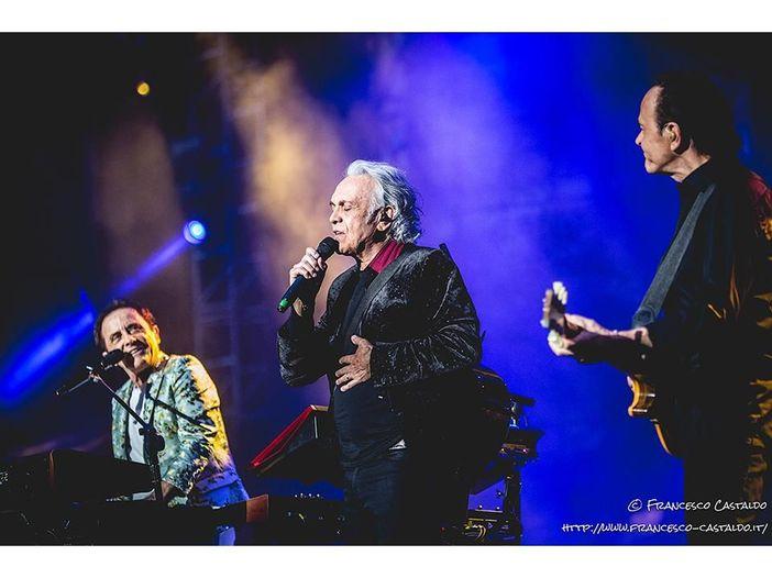 Pooh, 50 anni di storia in un concerto a San Siro: la recensione