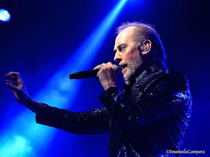 Peter Murphy sta bene e torna a cantare a New York
