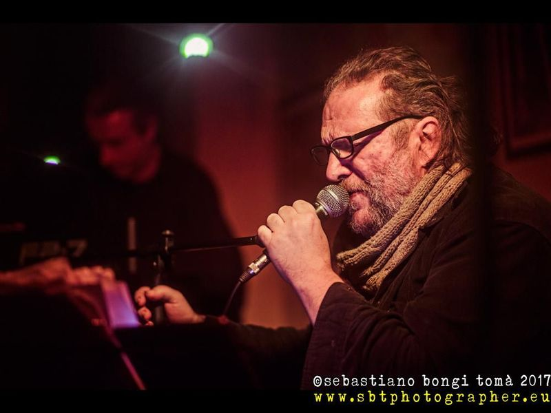17 febbraio 2017 - Frame Live Club - La Spezia - Vincenzo Costantino in concerto