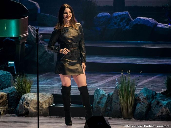 Lana Del Rey presenta dal vivo due nuove canzoni - GUARDA