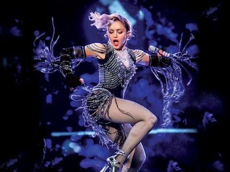 """Madonna festeggia l'anniversario di """"Erotica"""" pubblicando un remix"""