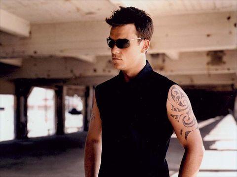 Robbie Williams invita gli scozzesi Biffy Clyro