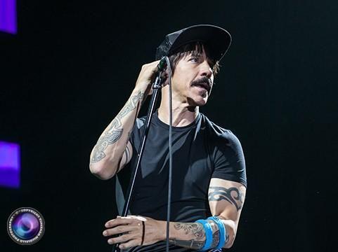 Anthony Kiedis spiega perchè non va a letto con le groupies