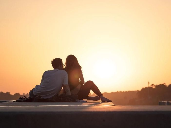 San Valentino, 10 canzoni per ridere dell'amore (per non piangere)