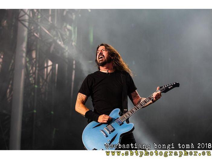 Foo Fighters: rarità live durante uno show a sorpresa a Los Angeles - VIDEO