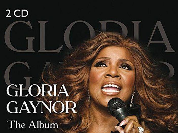 Gloria Gaynor incoraggia i fan a lavarsi le mani con 'I will survive': video