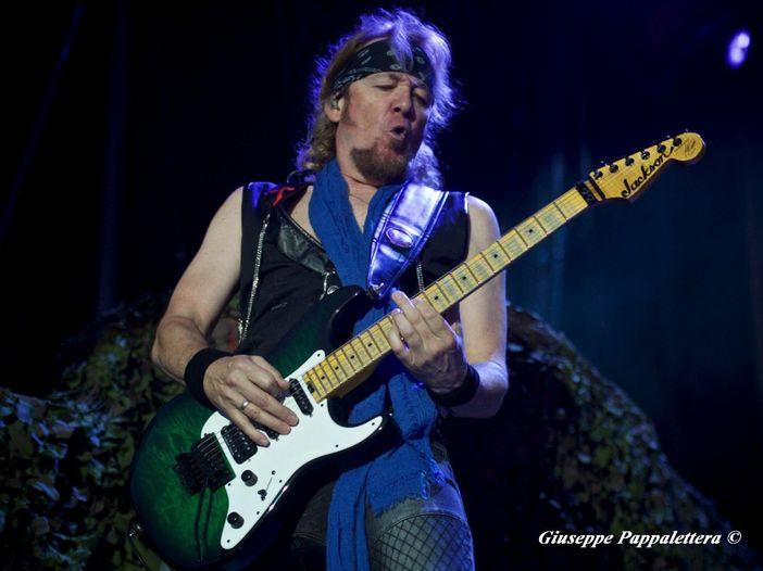 Adrian Smith (Iron Maiden), ecco la prima canzone che ha imparato a suonare: video