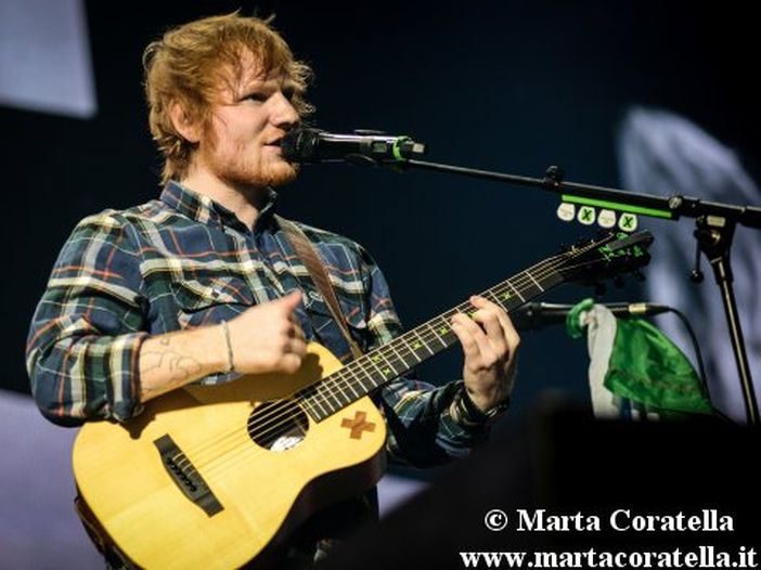 Ed Sheeran con '÷' domina la chart UK dei singoli (e costringe la discografia a ripensare alla classifiche?)