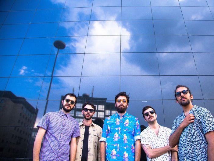 Ex-Otago, Maurizio Carucci sui social: 'Mi hanno rubato il pc con tutto il materiale della band'