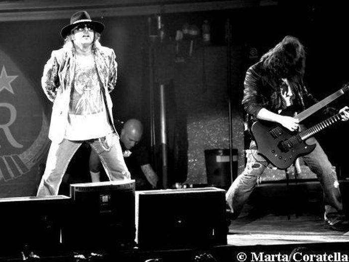 Reunion Guns N' Roses, Steven Tyler rivendica un ruolo nella decisione, ma la band lo smentisce con un tweet