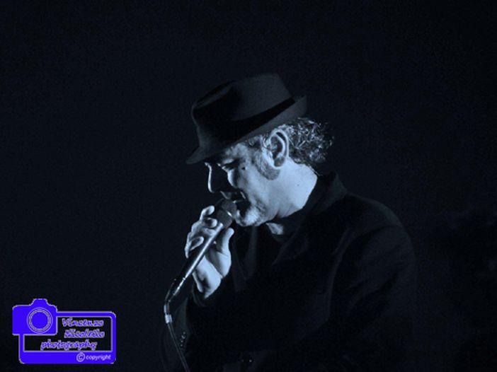 Jovanotti, Elisa e Ferro stasera ospiti del concerto di Luca Carboni a Bologna