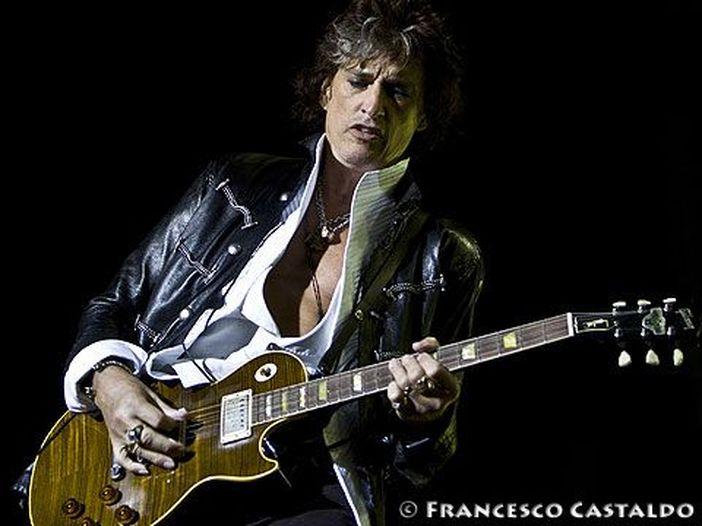 """Joe Perry (Aerosmith) sta bene: """"Problemi di respirazione"""""""
