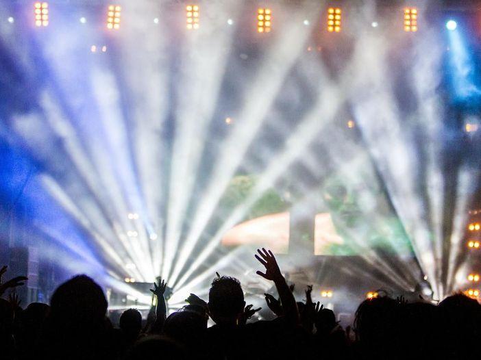 Cts: sì all'aumento di capienze per eventi dal vivo