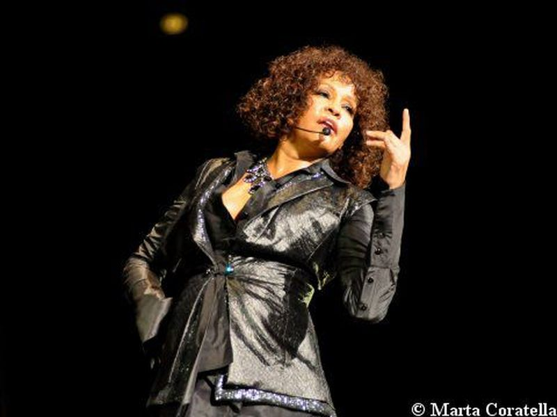Whitney Houston, in Rete i video (non autorizzati) dell'ologramma